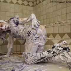 LeilaHazlett: free messy latex pics :)