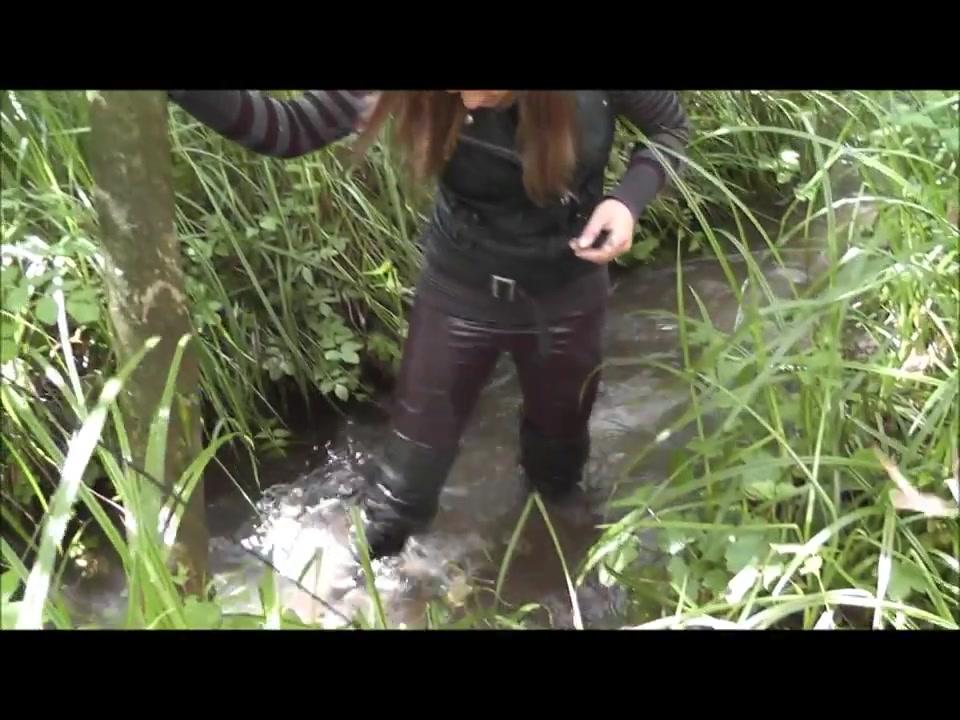 Cапожный портрет - возможен ли такой жанр в фотографии ? Muddy-over-the-knee-boots-and-wetlook-le_6