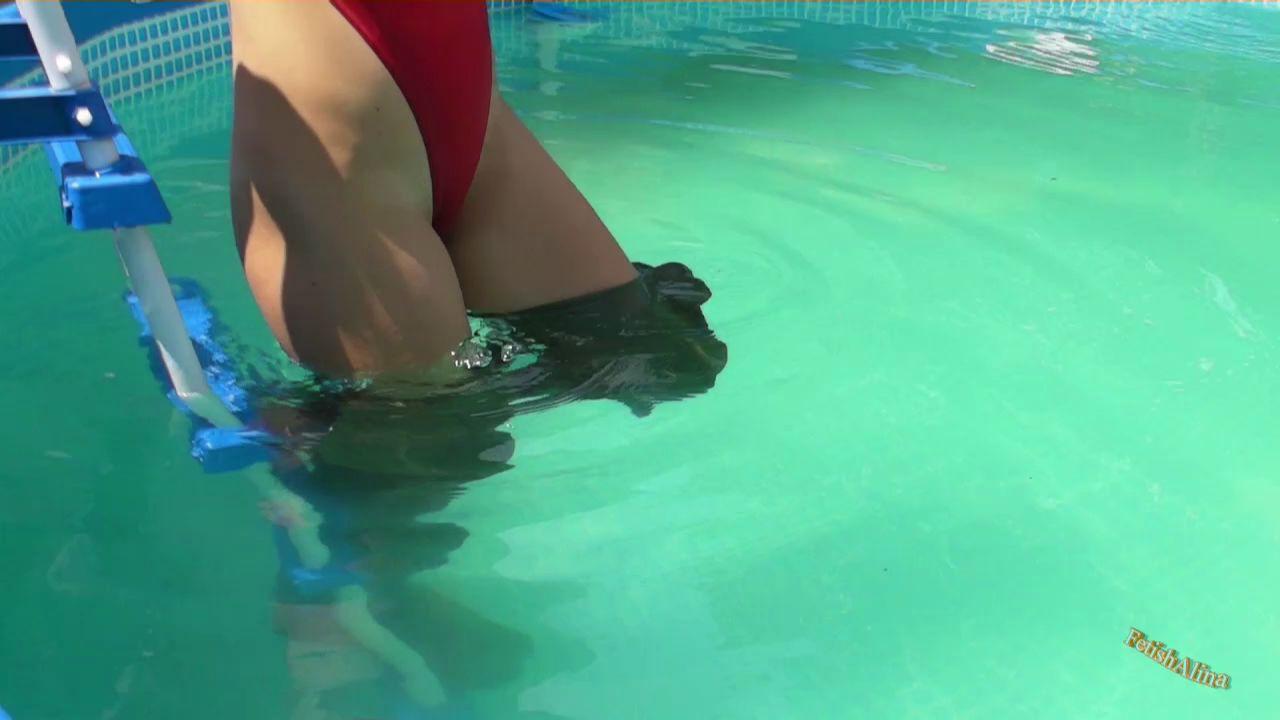 Эффектные сливы воды из сапог. Under-water-waders_7