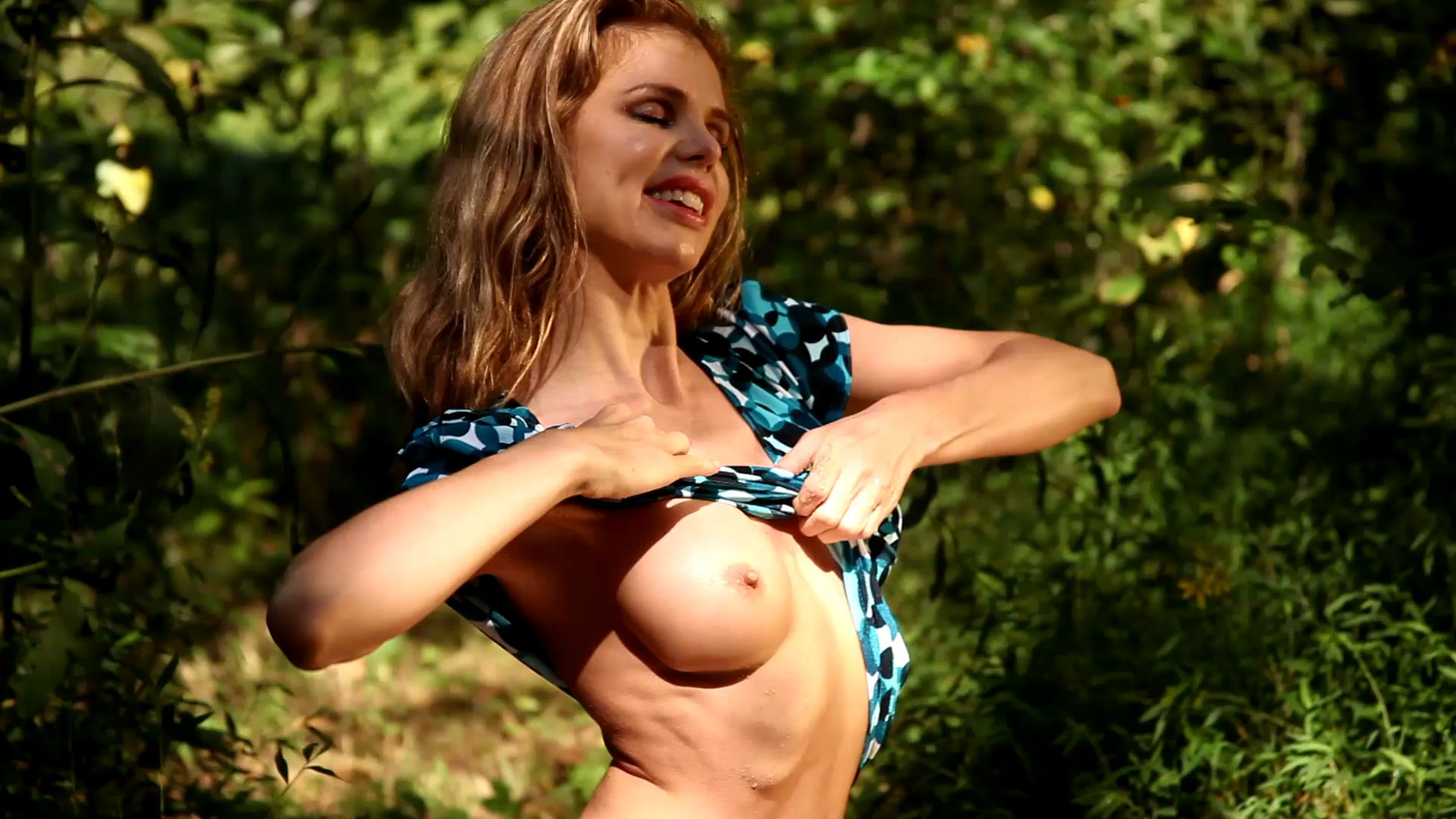 Candle Boxxx in quicksand Candle-aroused-in-real-quicks_12