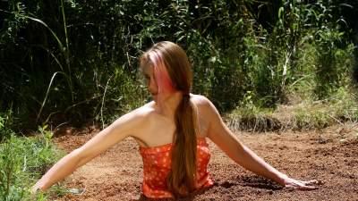 Pantyhose stories quicksand