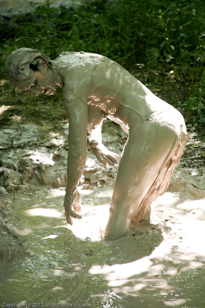 Kym Quicksand Follow-me-to-the-mud--kym_9