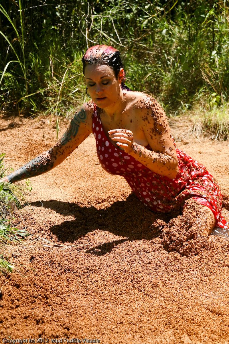 Gummi Big Boobs Quicksand Gummi-in-hollywood-quicksand_8