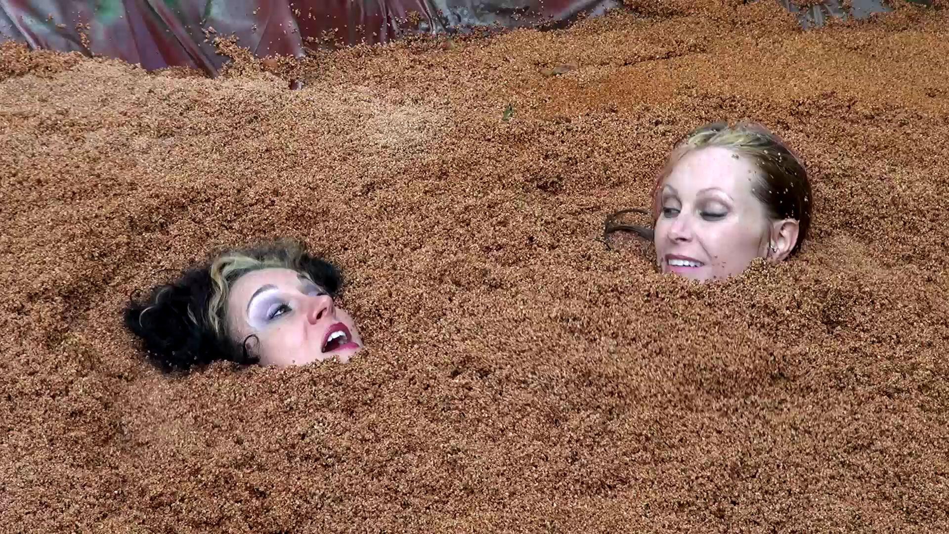 Gummi Big Boobs Quicksand Hollywood-quicksand-the-begin_23