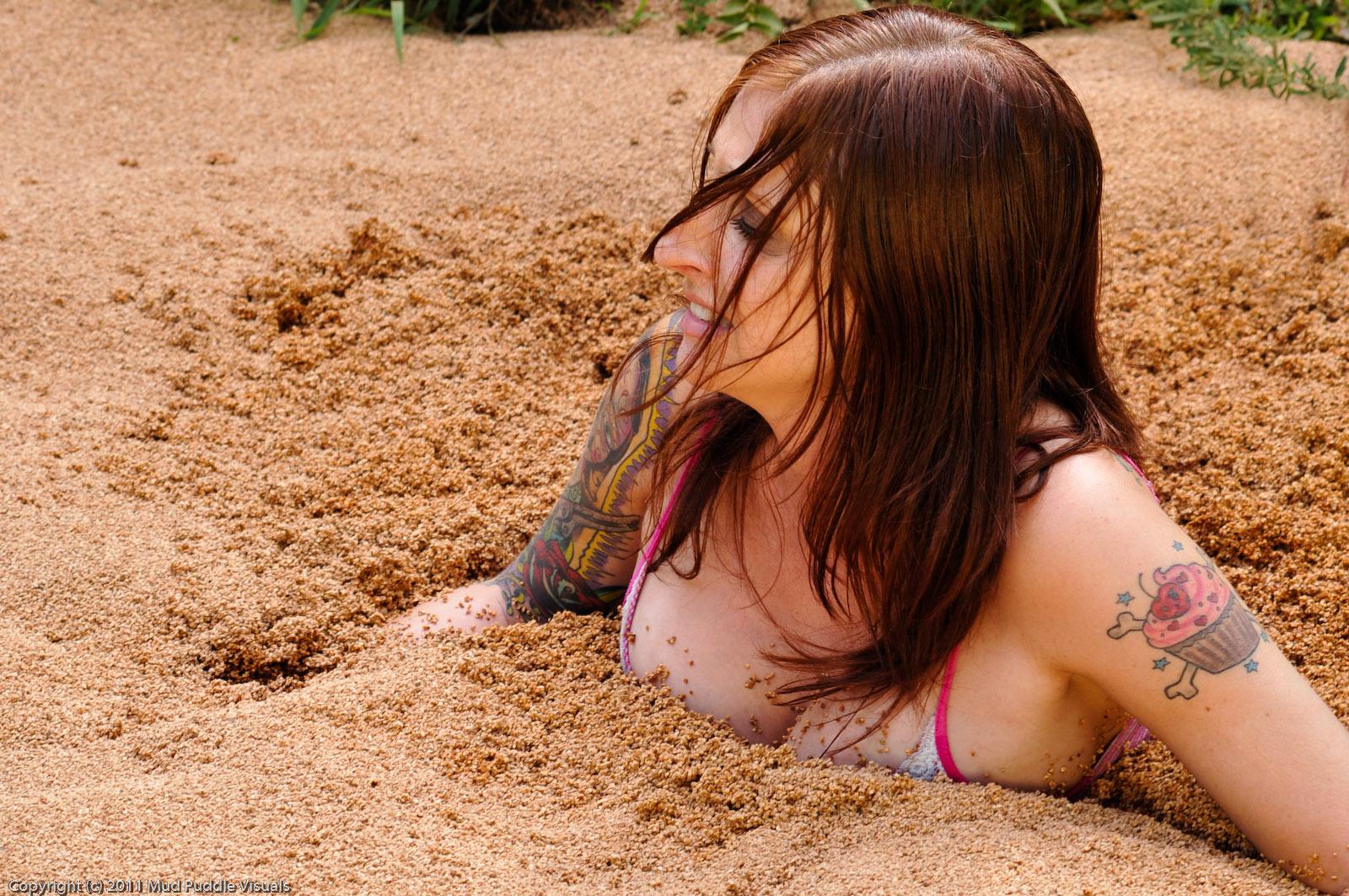 Paris Kennedy quicksand Paris-in-hollywood-quicksand_5