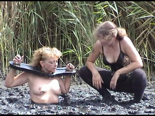 Random UMD Women Planting-pamela_11
