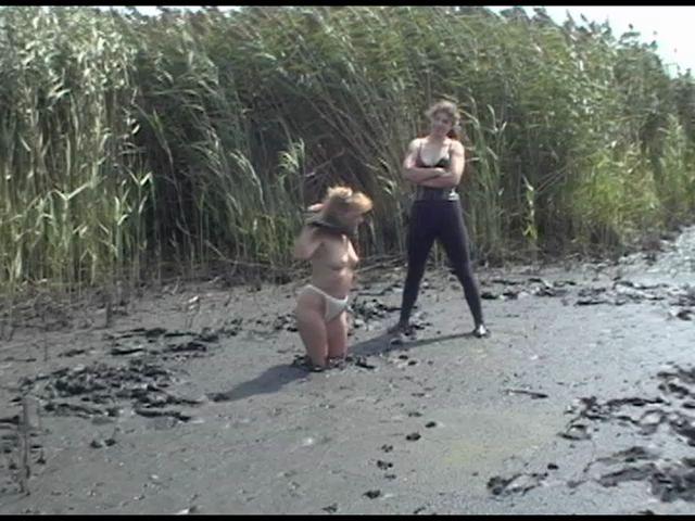 Random UMD Women Planting-pamela_7