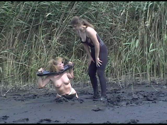 Random UMD Women Planting-pamela_9
