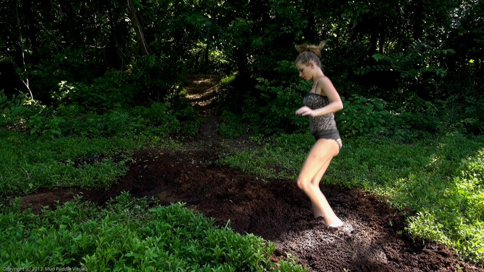 Stormy Rose Sex-slave-girls-in-quicksand_14