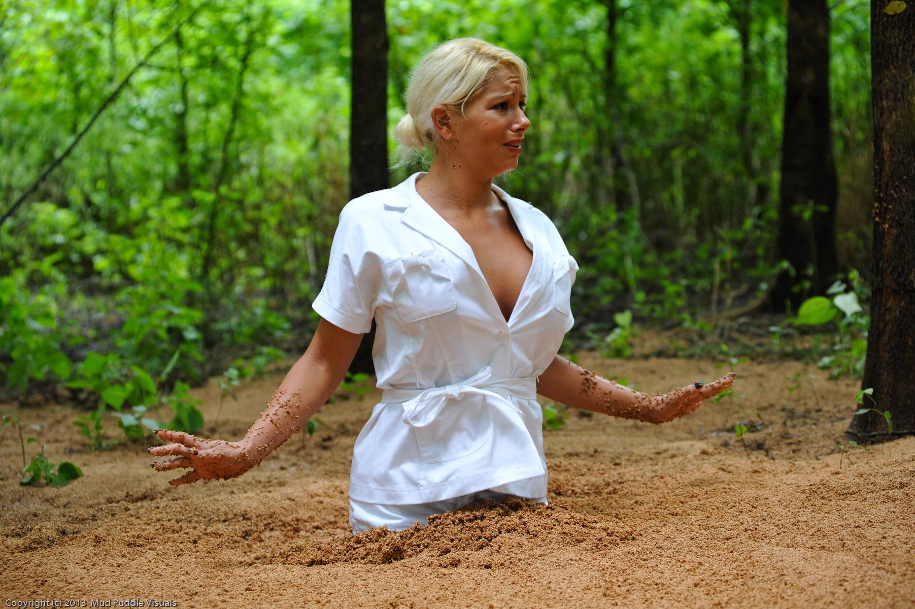 Summer in quicksand Sexy-secretary-in-quicksand_14