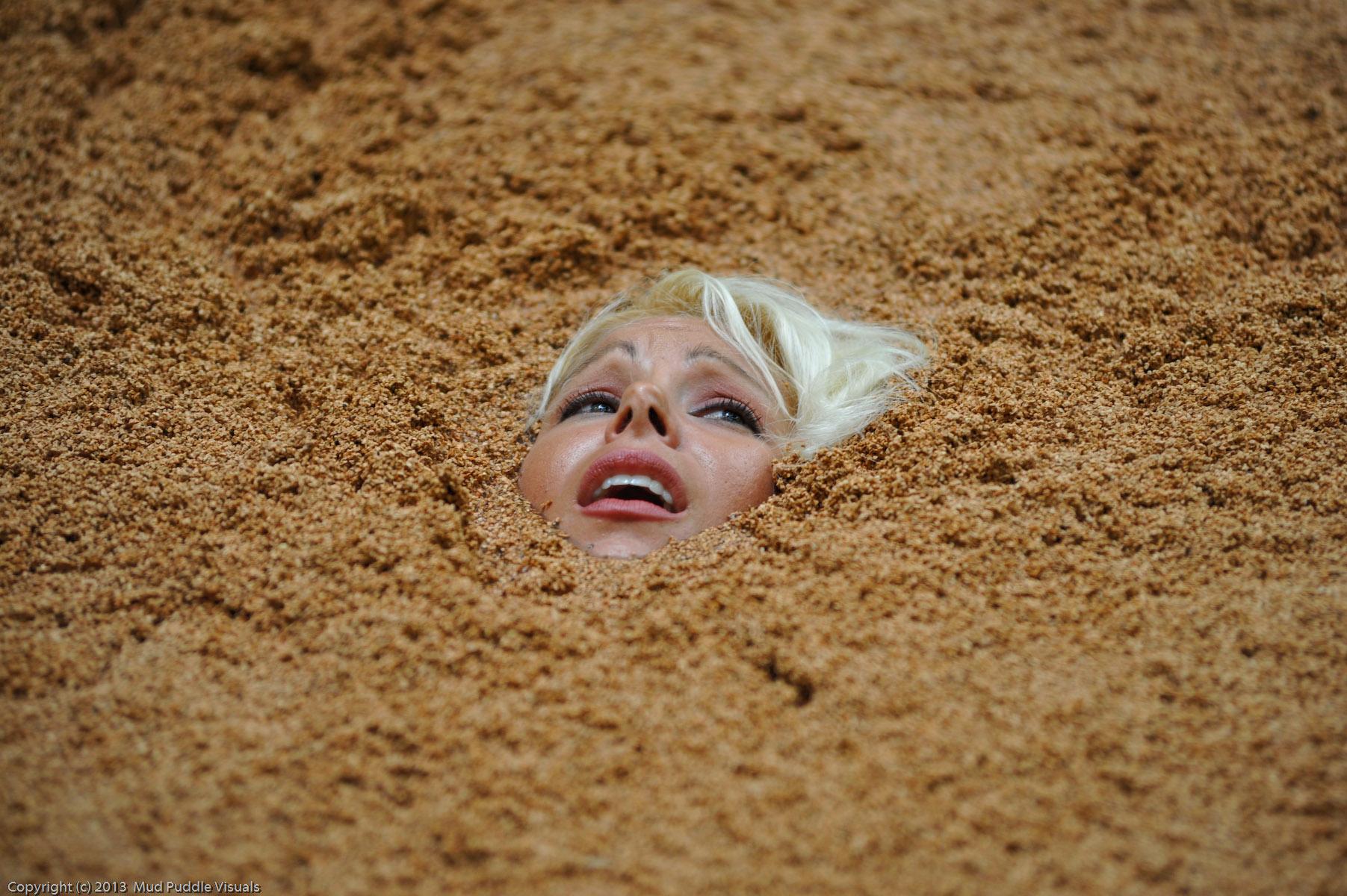 Summer in quicksand Sexy-secretary-in-quicksand_19