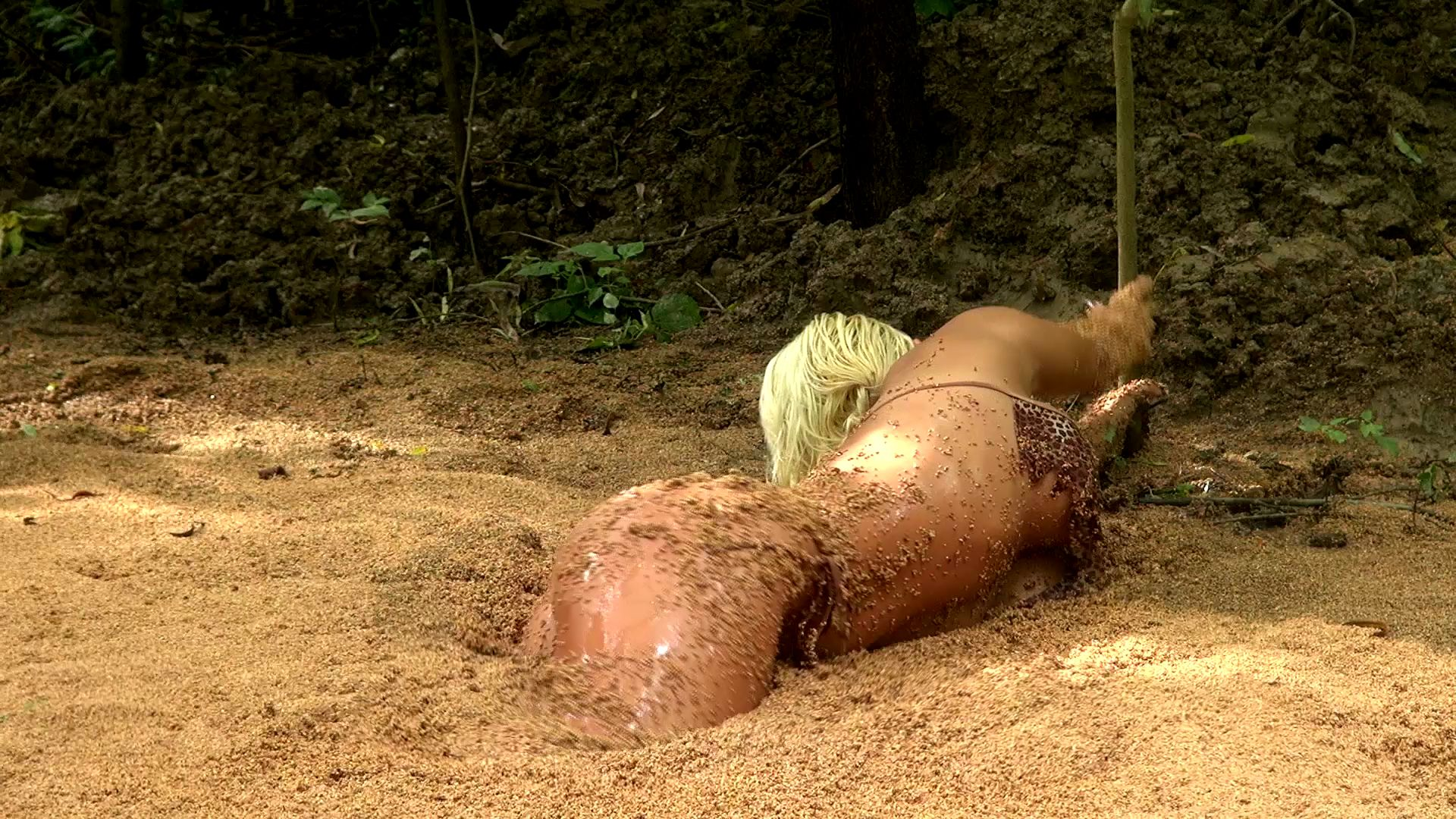 Summer in quicksand Summer-the-jungle-girl_14