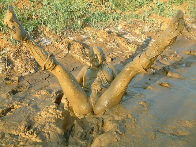 Эффектные сливы воды из сапог. Cedepd082_2007-05-17_14-52-29_61587